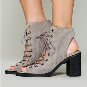 Jeffrey Campbell Minimal Lace Up Heel